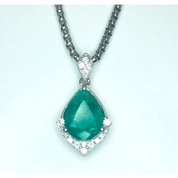 Elegant Emerald with Diamonds Pendant