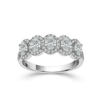14 Karat White Gold Oval and Round Diamond Band