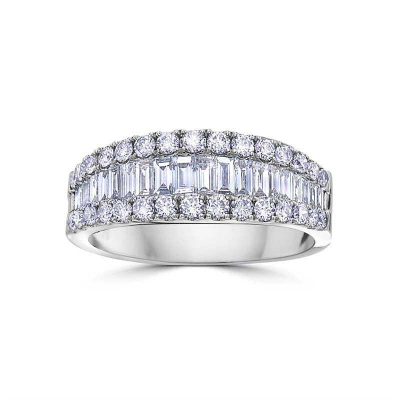 18Kt White Gold Baguette and Round Diamond Band