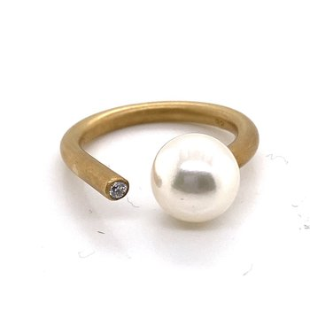 Open Shank Ring with Pearl and Diamond