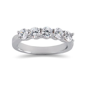 14kt White Gold 5-Diamond band with shared prongs