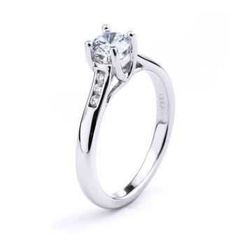 Diamond Engagement Ring in 18K white gold