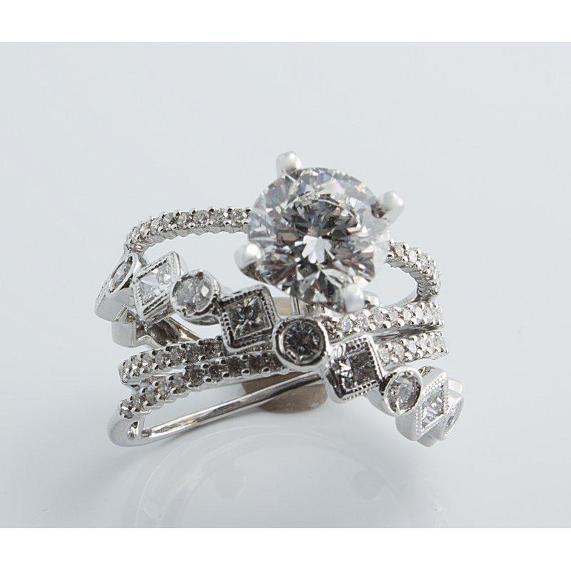 Antony Jewelers Unique geometrical diamond  gold band
