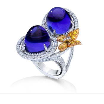 Fashion ring with Cabochon sapphires