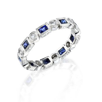 Geometrical wedding band with sapphires