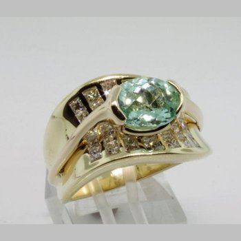 Yellow gold fashion ring
