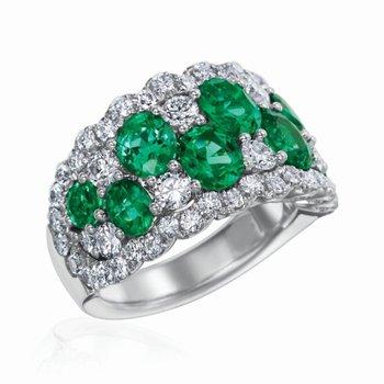 Diamond/emerald fashion ring