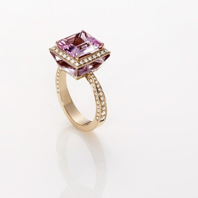 Antony Jewelers Fashion ring with diamonds and a amethyst