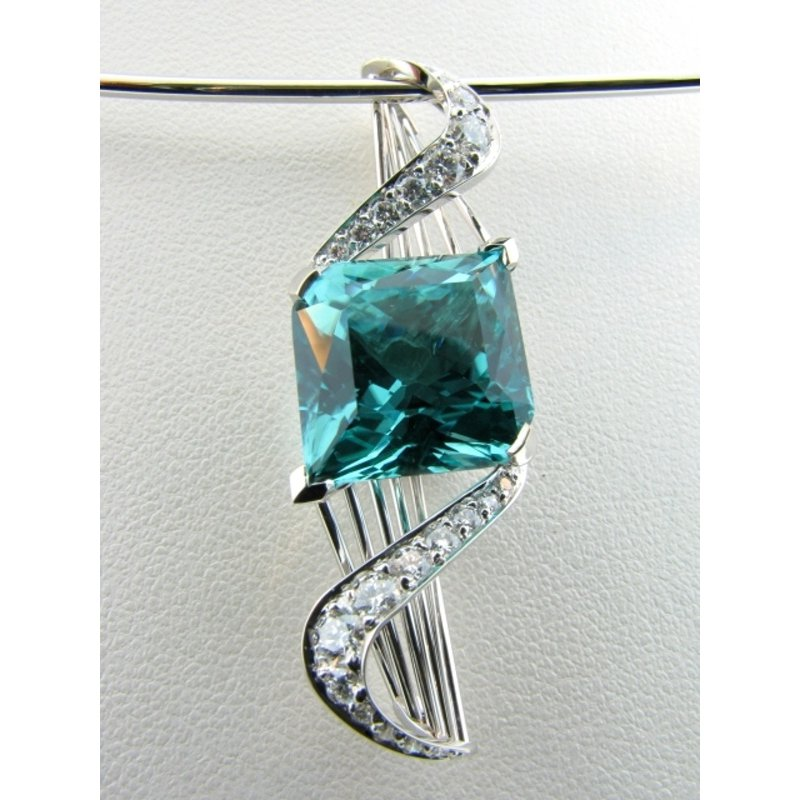 Antony Jewelers Pendant  shaped as a swirl with mystic topaz