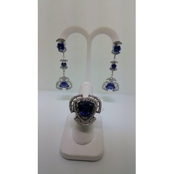 """Red carpet style' set: drop earrings and ring with sapphires and diamonds"