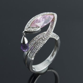 "Diamond ring with amethyst ""tear of love"" stone"