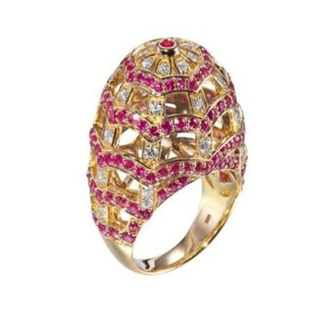Unique rubies and diamonds cocktail ring