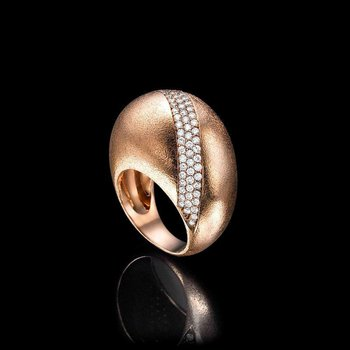 High performance fashion ring with diamonds