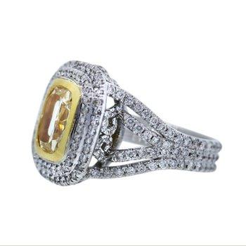 Fantastic yellow diamond engagement ring