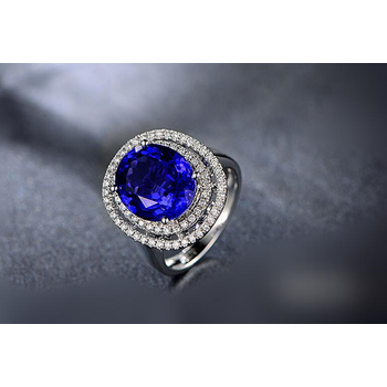 Amazingly designed cocktail ring with diamonds and sapphire
