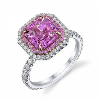 Engagement ring with pink diamond