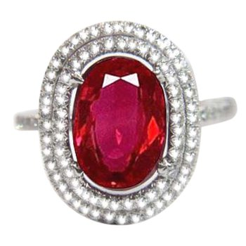 Timeless engagement ring with Ruby