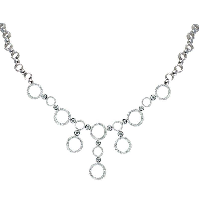 Antony Jewelers Elegant round necklace with diamonds