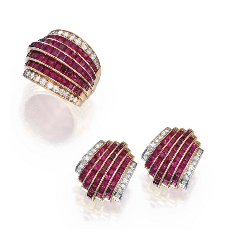 Antony Jewelers Finest quality diamonds and rubies set: fashion ring and earrings