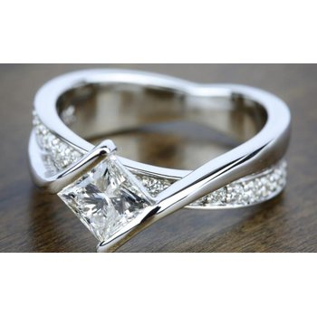 Intertwined love ring