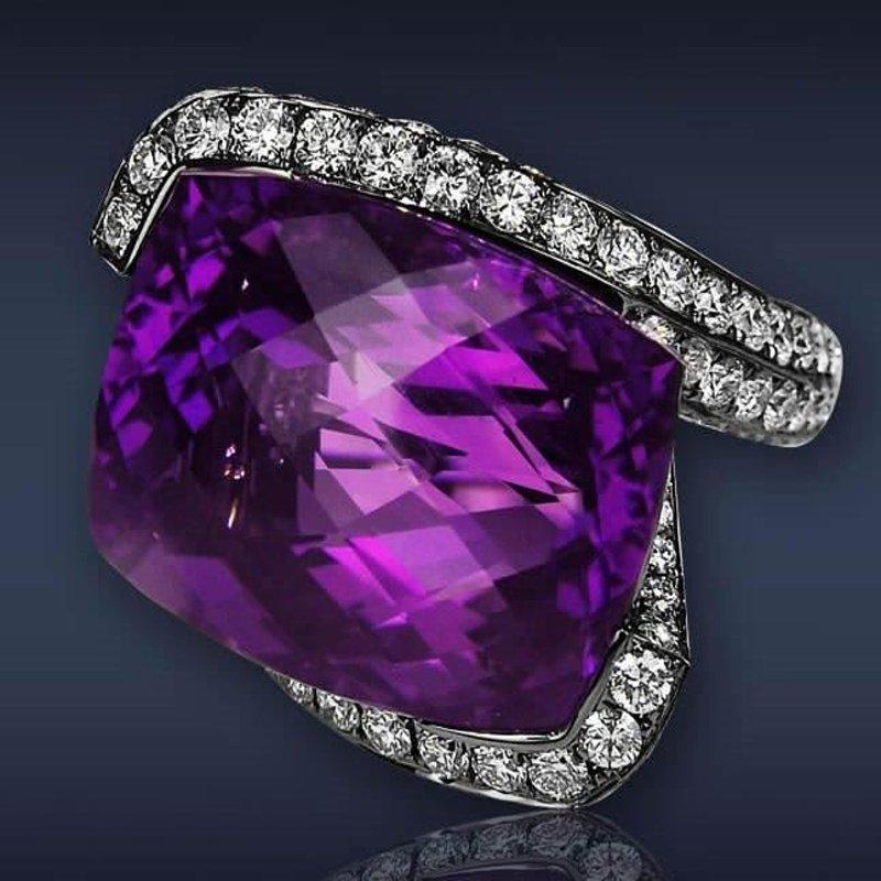 Antony Jewelers Beautiful fashion ring with an amethyst