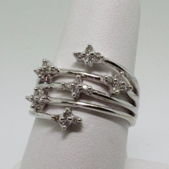 Multi layered fashion ring with designed stars