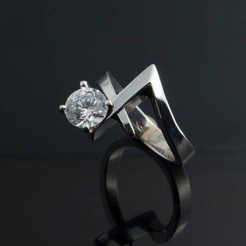 Modern geometrical engagement ring