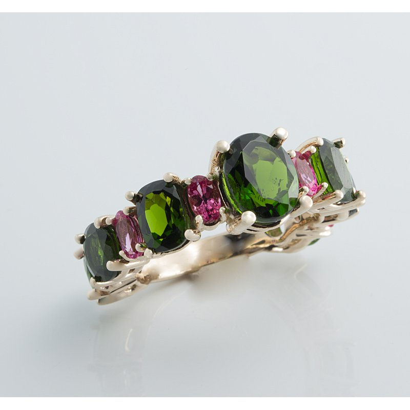 Antony Jewelers Pink sapphires and tsavorite garnets colorful ring