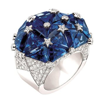 """Diamond stars"" sapphire fashion ring"