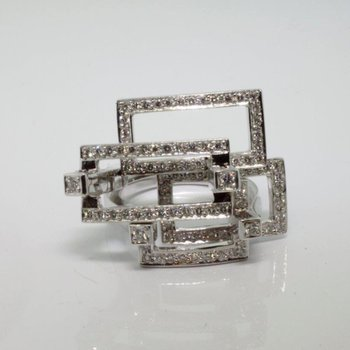 Unique geometrical diamond ring