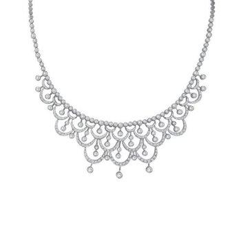 Art -deco style necklace with round diamonds