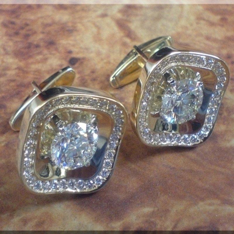 Antony Jewelers Diamond cuff links