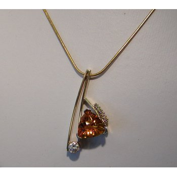 Geometrical pendant with yellow citrine
