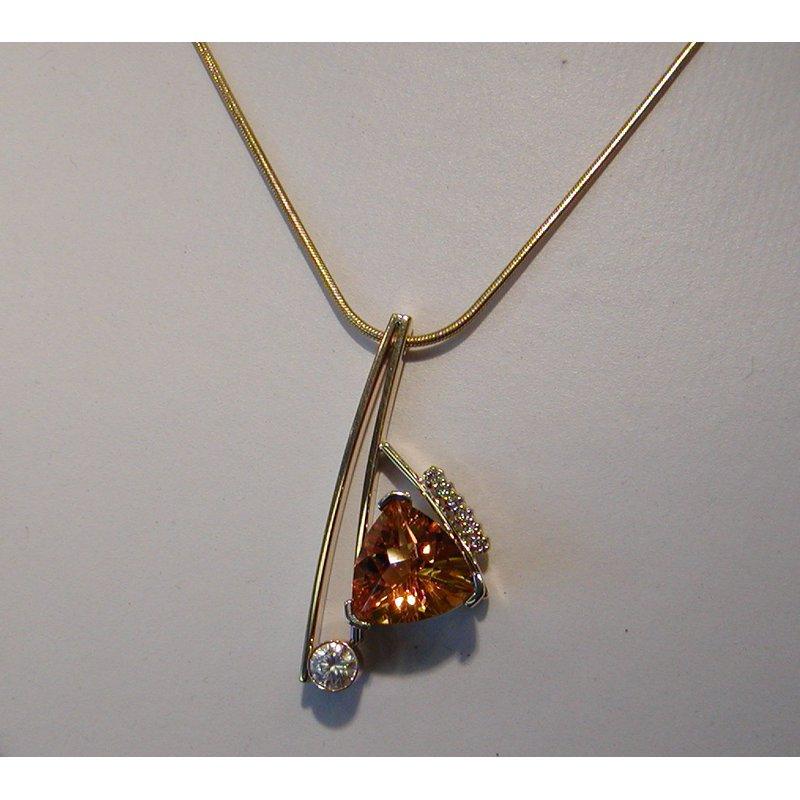 Antony Jewelers Geometrical pendant with yellow citrine