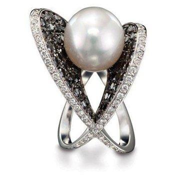 Unique black and white diamonds pearl ring