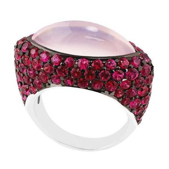 Modern fashion ring with pink sapphires