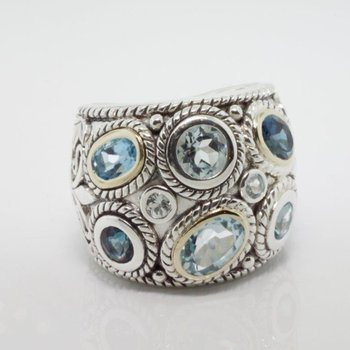 Cool fashion ring with aquamarines