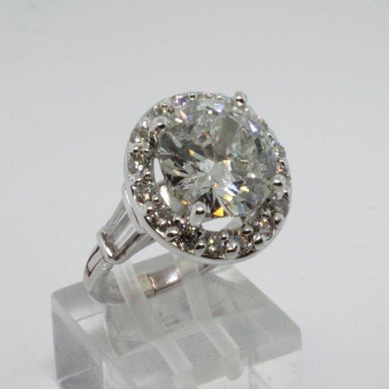 Antony Jewelers Round halo diamond engagement ring