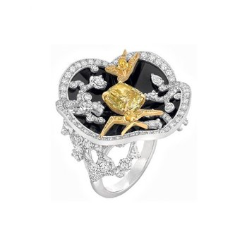 Fine quality fashion ring with diamonds