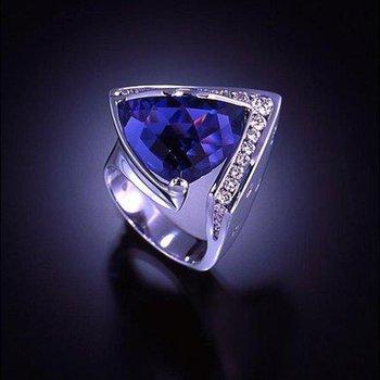 Trillion tanzanite fashion ring