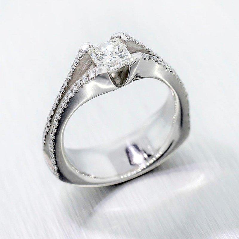 Antony Jewelers Elegant diamond engagement ring