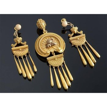 Egyptian style gold set: earrings and pendant