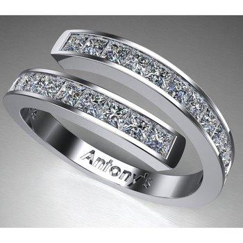 Stylish diamond band