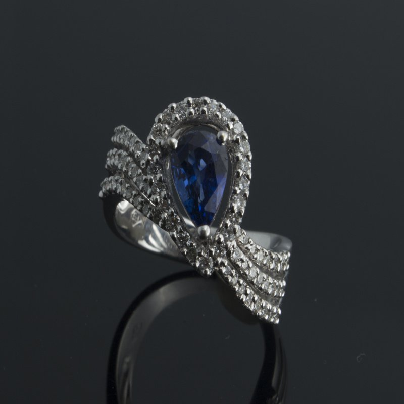 Antony Jewelers Diamonds and sapphire fashion ring