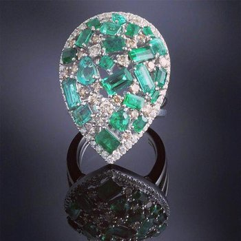 Emeralds and diamonds pear shape cocktail ring