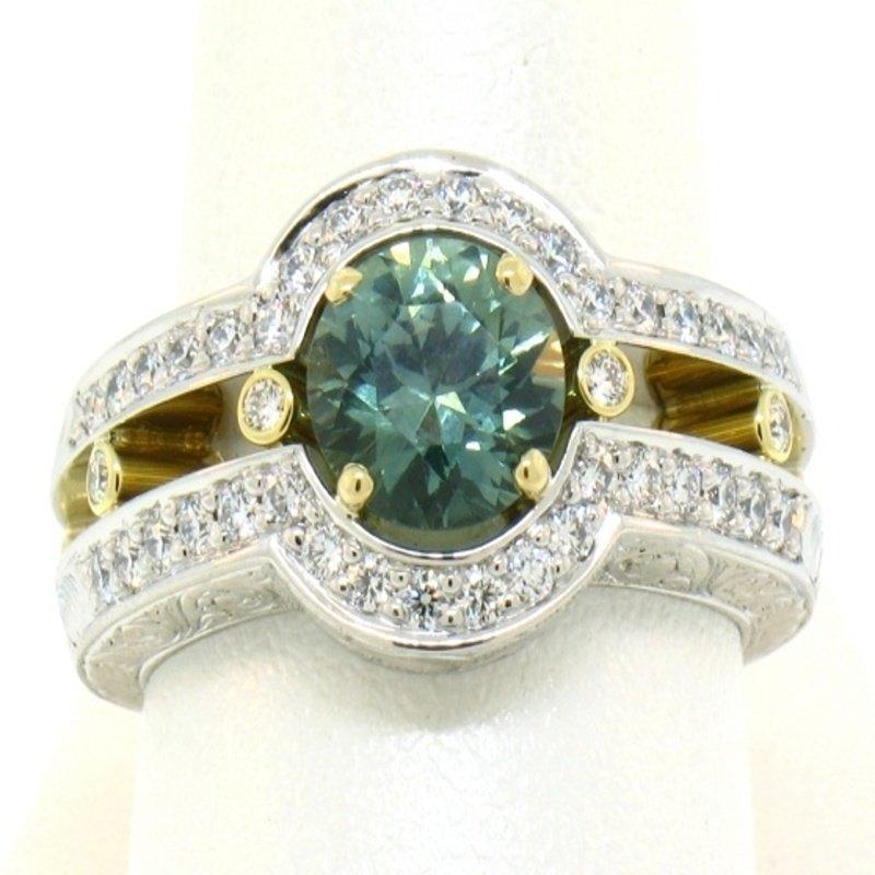 Antony Jewelers Elegant ring with green sapphire