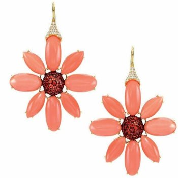 Flower style earrings with corals