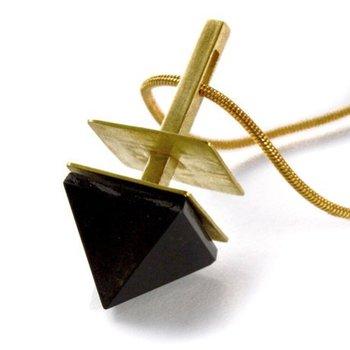 Modern fashion pendant with onyx stone