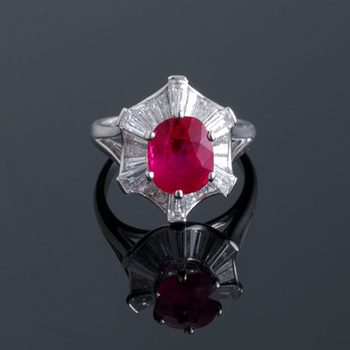Cocktail ring with pigeon blood ruby and diamonds