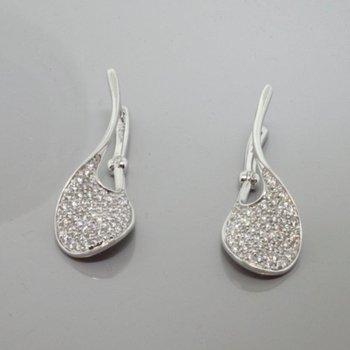 Wave shape diamond earrings